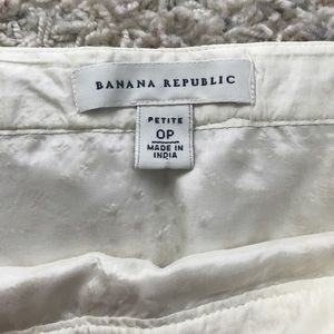 Banana Republic Skirts - Banana Republic Gold Straight Pencil Skirt 0P